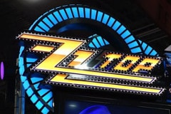 Casinos with ZZ Top: Live From Vegas Slot Machine
